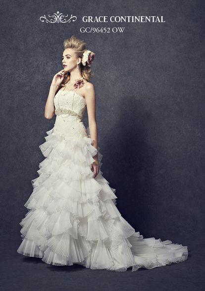 エレガントなウェディングドレス