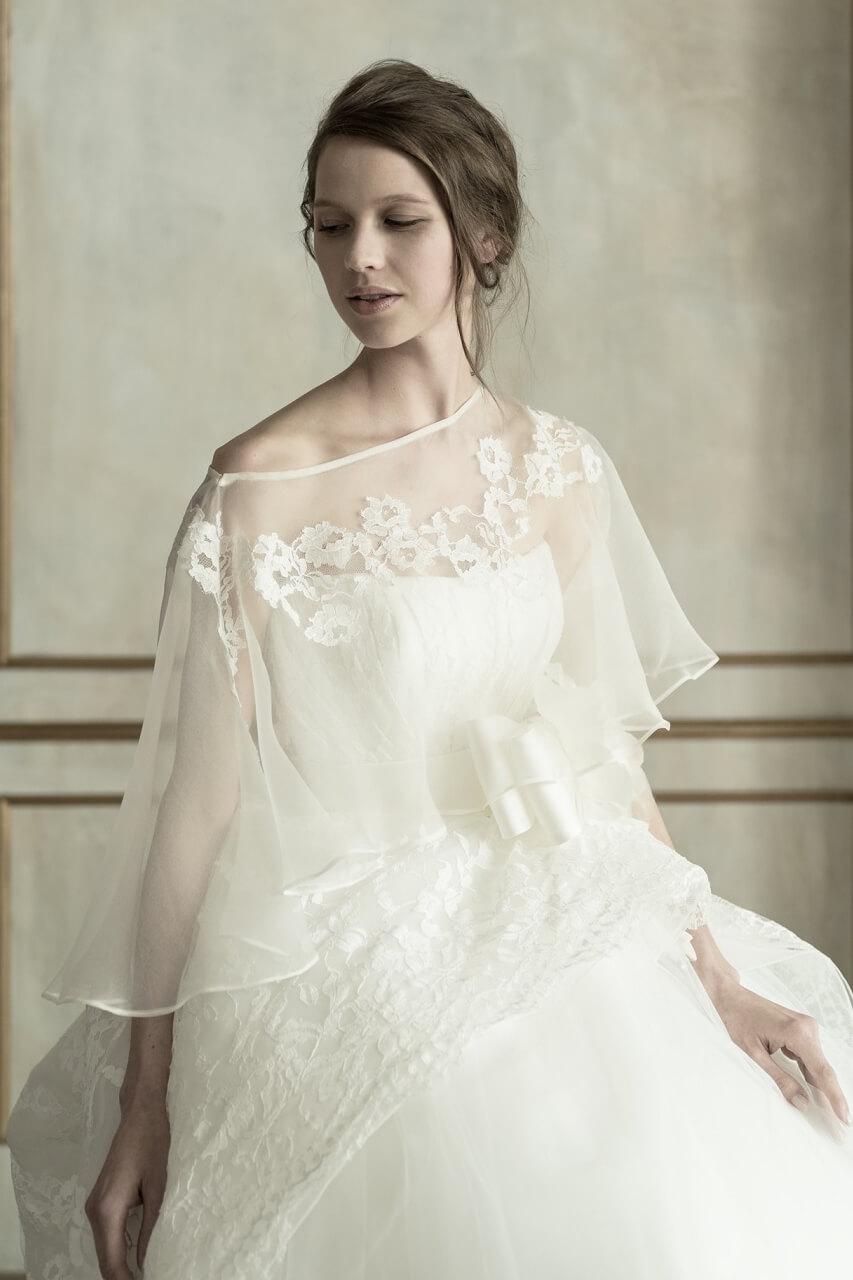 商品一覧に最新ドレスのお写真を掲載いたしました。